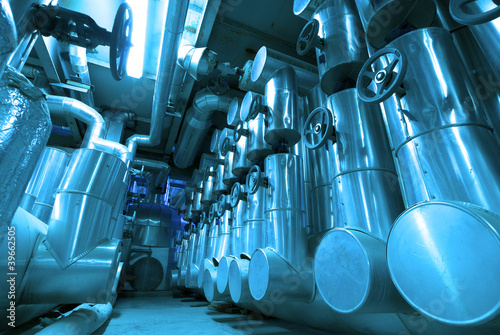 Staande foto Industrial geb. Industrial zone, Steel pipelines and cables in blue tones