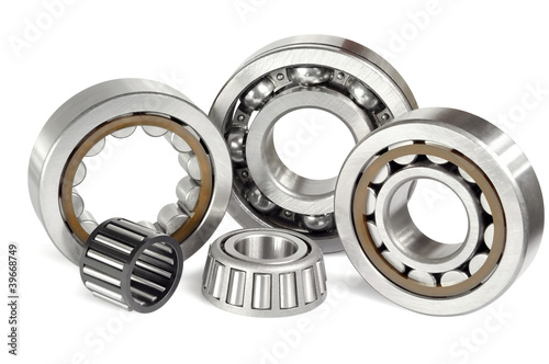 Photo Five ball bearings
