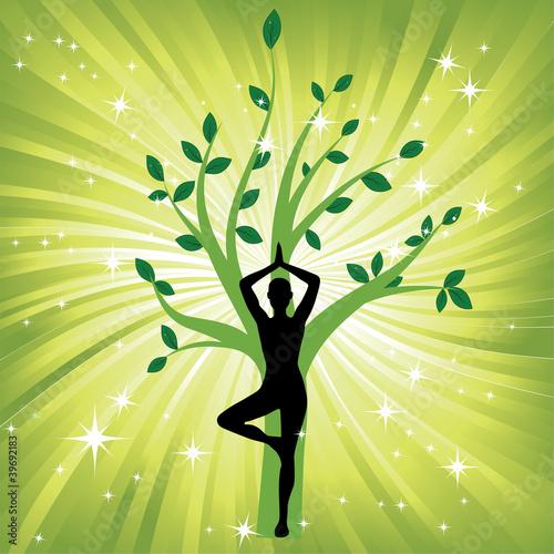 kobieta-w-trakcie-jogi-w-pozycji-drzewa-asana