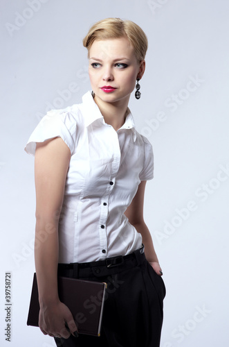 Photo  Beautiful young businesswoman