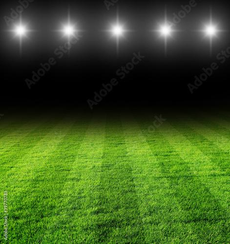 Foto Rollo Premium - fussballfeld in der Nacht (von jarma)