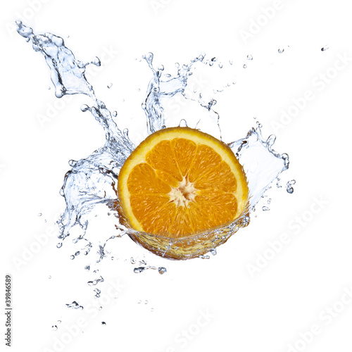 Spoed Foto op Canvas Opspattend water Orange juice splashing isolated on white