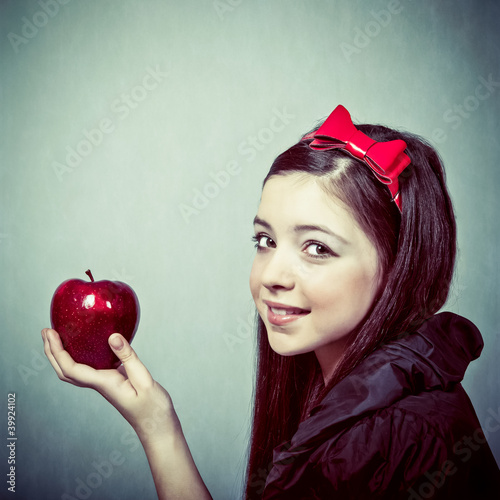 Fotografie, Obraz  Snow White with an apple