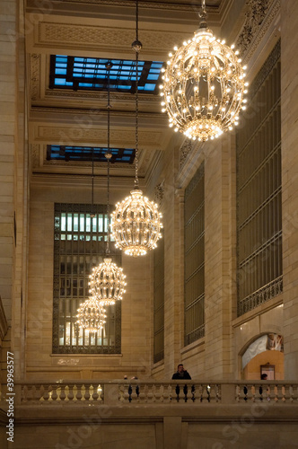 Photo Grand central station chandelier