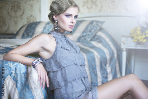 Fototapeta Sexy woman in the stylish room obraz