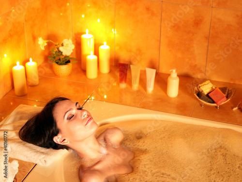 Slika na platnu Woman take bubble  bath.