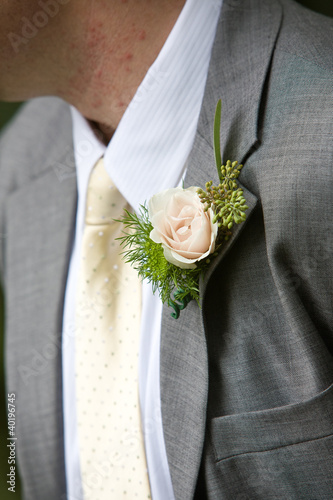 Photographie Man wearing a corsage