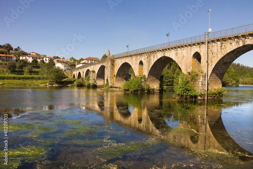 Valokuva Bridge of Ponte da Barca, ancient portuguese village, on Minho r