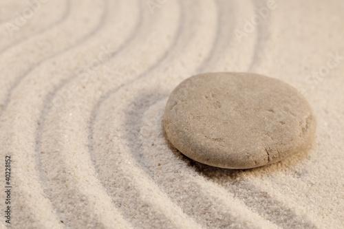 Photo sur Plexiglas Zen pierres a sable galet dans le sable simplicité