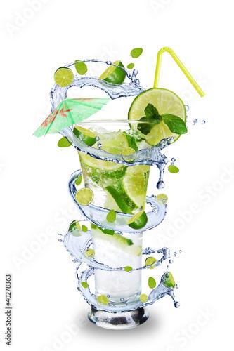 Spoed Foto op Canvas Opspattend water Fresh mojito drink with splash spiral around glass.