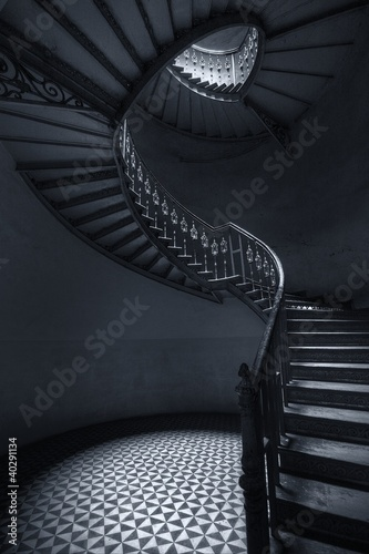 Photo sur Toile Escalier Mroczne schody