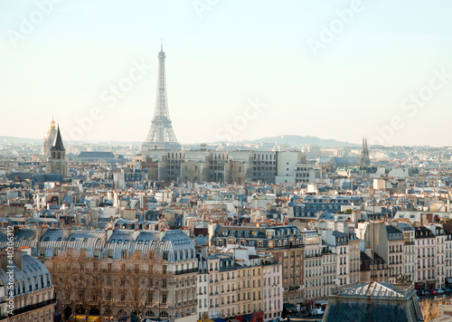 Photo sur Toile Paris Eiffel Tower and roofs of Paris