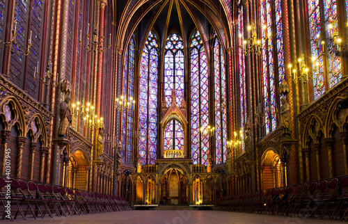 Valokuva  Illuminated interior of the Sainte Chapelle, Paris, France