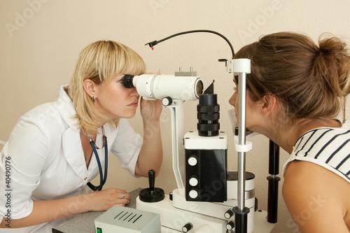 Fotografía  oculist and patient