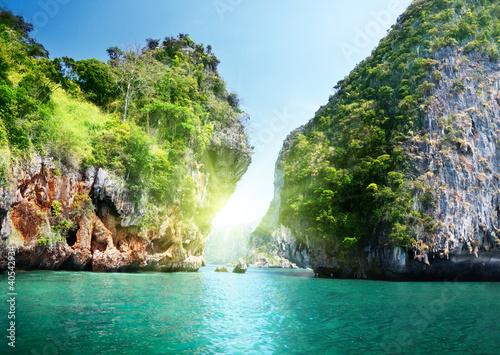 Obrazy na płótnie Canvas rocks and sea in Krabi Thsiland