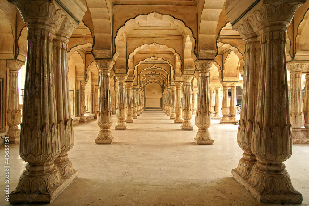 Fototapeta Columned hall of Amber fort. Jaipur, India.