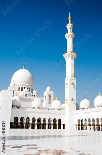 Sheikh Zayed mosque in Abu Dhabi Wallpaper Mural