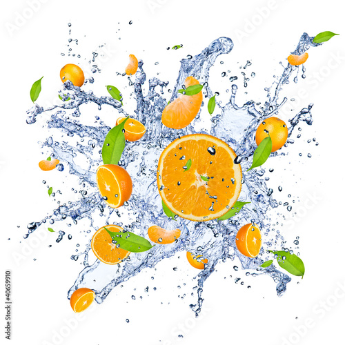Poster Eclaboussures d eau Fresh oranges in water splash , isolated on white background