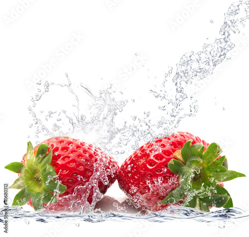 Fotobehang Opspattend water fragole splash