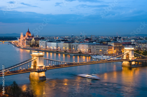 Photo  Budapest, Cityscape By Night