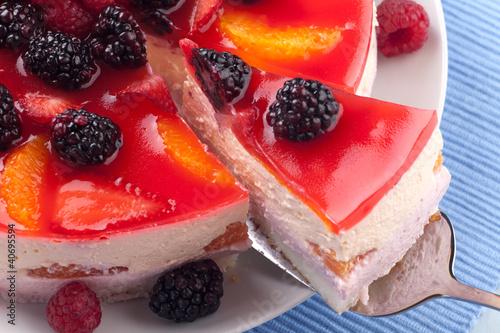 kawalek-jogurtu-owocowego-ciasta
