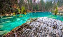 Blausee, Switzerland - Rock Fo...