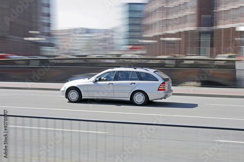 Photo  Auto auf Brücke 2 - TLerch