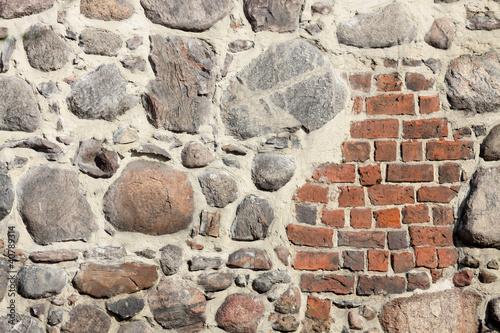 Mur z kamieni