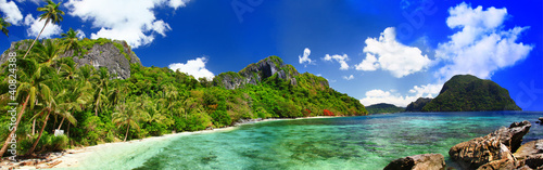 Foto Rollo Basic - panorama of beautiful deserted tropical beach (von Freesurf)