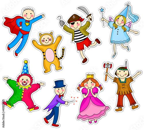 dzieci-z-roznymi-kostiumami