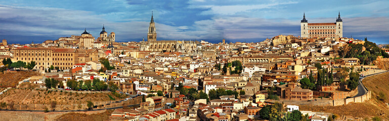Fototapeta ancient cities of Spain - Toledo, panoramic view