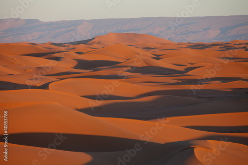 Cadres-photo bureau Rouge View acros sand dunes in the Sahara desert, Morocco, Africa