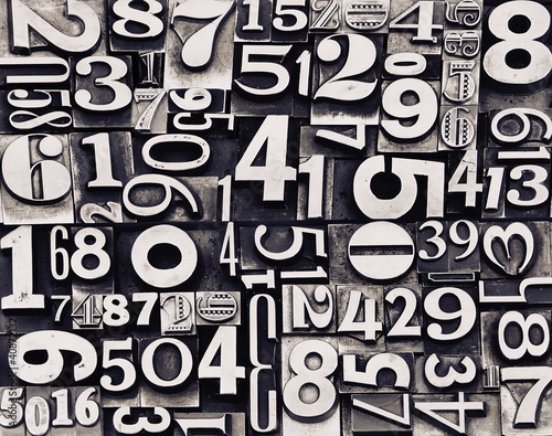 czarno-biale-liczby-retro