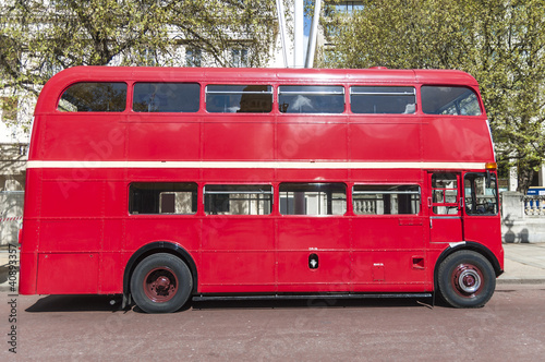 Photo  London famous red buses
