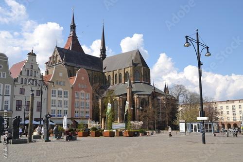 Fotografía  Neuer Markt und Marienkirche in Rostock