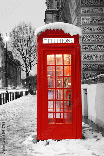 Fotobehang Rood, zwart, wit London Telephone Booth
