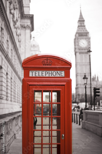 Poster Rouge, noir, blanc Big Ben and Red Telephone Booth