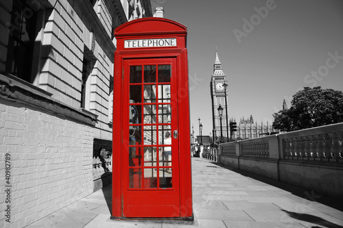 Keuken foto achterwand Rood, zwart, wit Big Ben and Red Telephone Booth