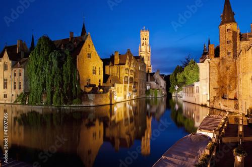 In de dag Brugge Rozenhoedkaai in Bruges, Belgium
