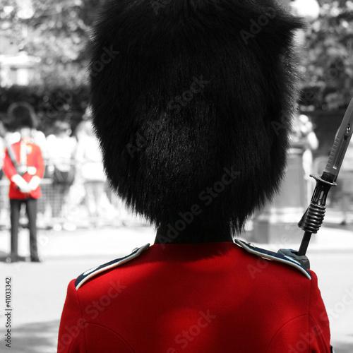 Poster Rouge, noir, blanc Queen's Soldier