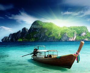 Panel Szklanyboat on Phi Phi island Thailand