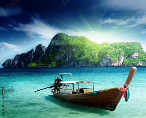 Foto-Rollo - boat on Phi Phi island Thailand