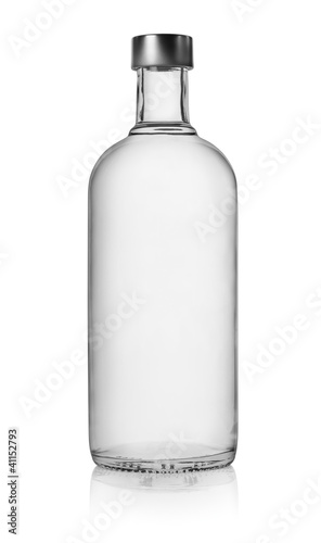 Foto auf AluDibond Alkohol Bottle of vodka isolated