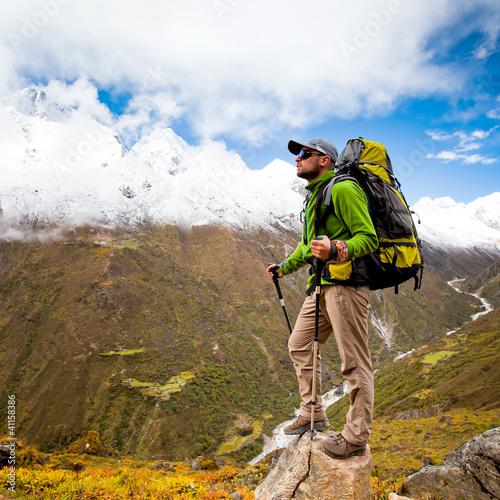 Foto-Stoff bedruckt - Hiking in Himalaya mountains (von Maygutyak)