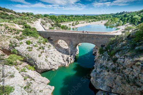 Fotografía  Pont du diable sur l'Hérault, Languedoc, Occitanie, France