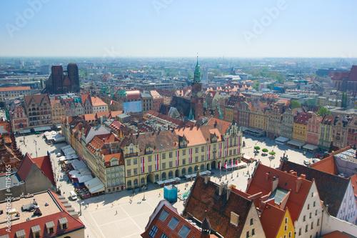 rynek-starego-miasta-z-ratuszem-wroclaw-polska