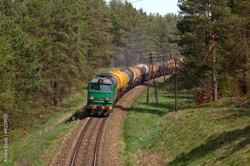 towarowy-pociag-diesel