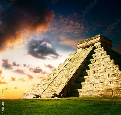 piramida-majow-chichen-itza