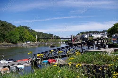 Tela  Le pont suspendu et le port du Bono
