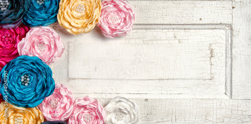 Poster Abstract bloemen Multi colored vintage flowers on aged door